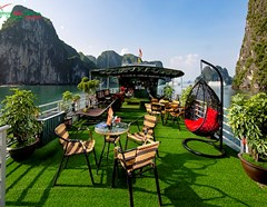 EXPLORING THE BEAUTY OF HALONG BAY WITH CONG CRUISES